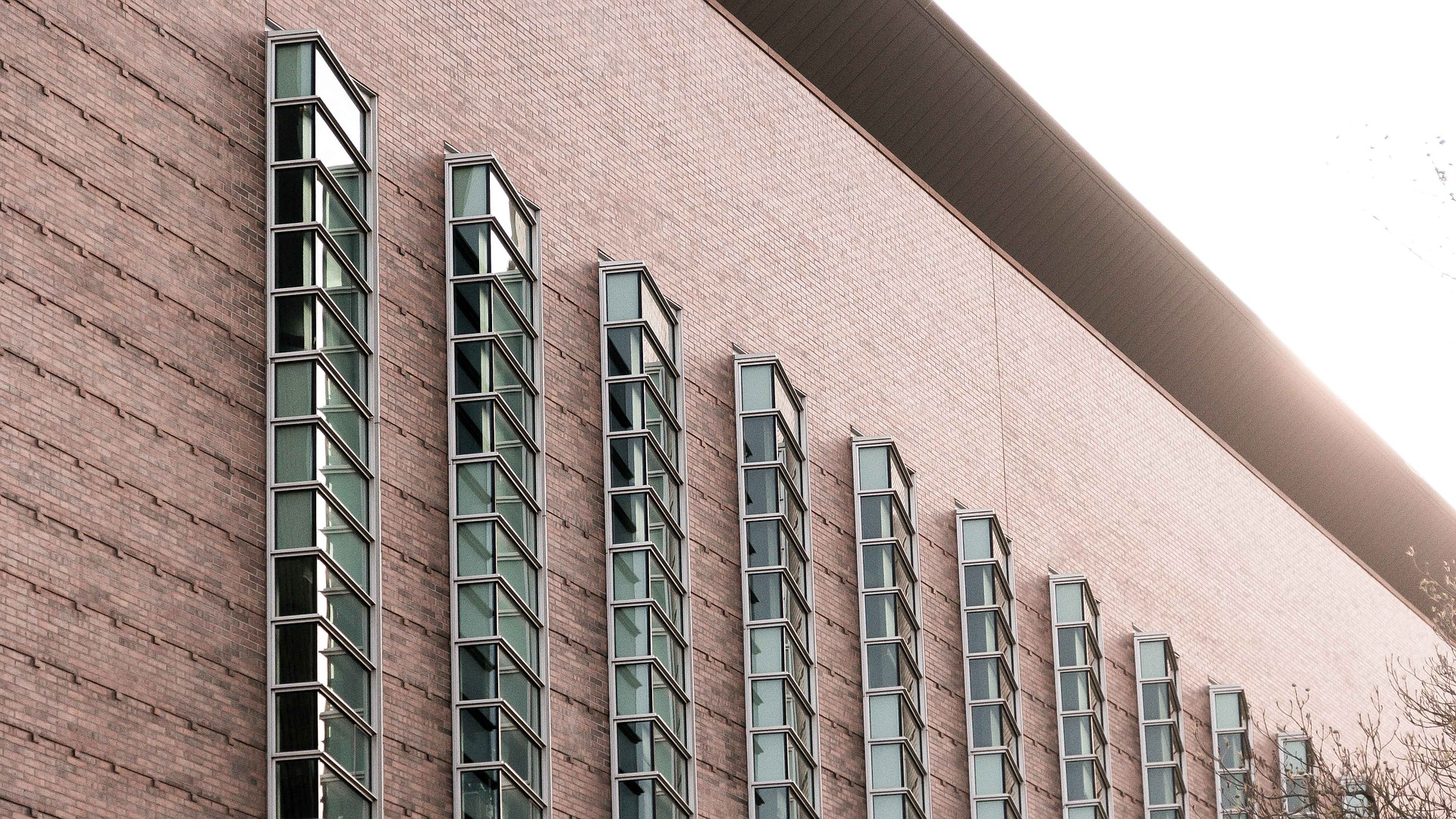 facade-731286_1920